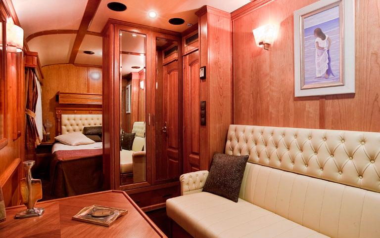 8 day El Transcantabrico Gran Lugo Deluxe Suite Cabin Santiago de Compostela San Sebastian Northern Spain